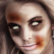 "Famous Zombie ""Linsay Lohan"", (c) blog.mrcostumes.com"