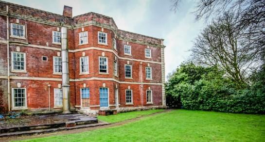 "Google Street View ""Zombie Manor House"", Manchester, Bild 1, (c) Google"